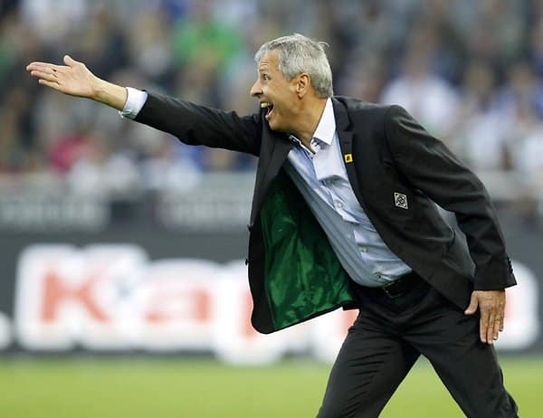 Gladbach-Coach Lucien Favre in Aktion.