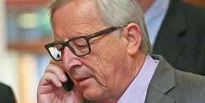 Juncker am Handy