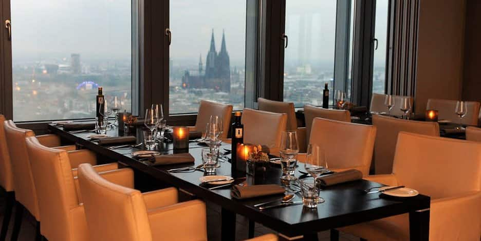 essen in und um k ln zehn restaurants mit sch ner aussicht k lner stadt anzeiger. Black Bedroom Furniture Sets. Home Design Ideas