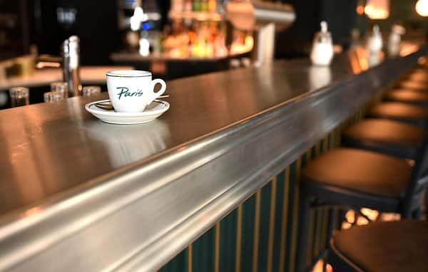 The counter is made of zinc and is custom-made from Paris